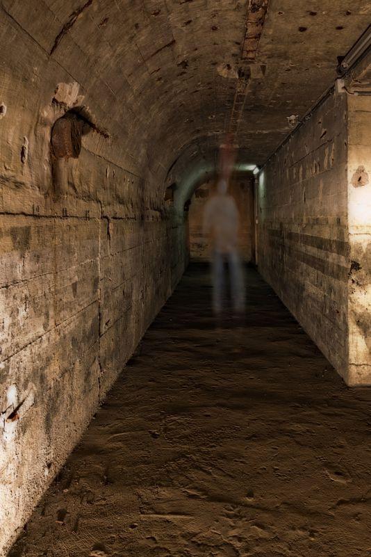 Kunst Fotografie Bunker Unterwelt Unschärfe Langzeitbelichtung